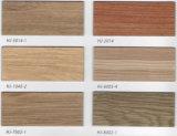 Le bois composite en plastique antidérapant étanche à l'intérieur Revêtement de sol composite en vinyle PVC