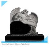 墓地の天使の彫像の墓石か西部様式の天使の墓石