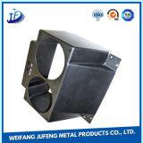 산업 설비를 위한 부속을 각인하는 강철 플레이트를 자르는 CNC