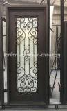 Casa bonita única porta usada com projeto exterior do ferro