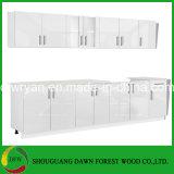 光沢度の高く白い食器棚の単位の流しベース壁の食器棚のドアの食器棚