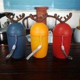 Kreativer Entwurfs-Glaswasser-Flasche mit Rotwild-Form-Deckel