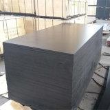 Madera al aire libre impermeable Shuttering hecha frente película del negro de la base del álamo (9X1250X2500m m)