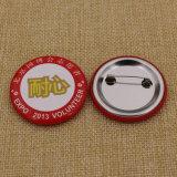 Insignia de botón de forma de corazón personalizado con precio de fábrica