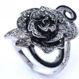 様式型の宝石類の黒のローズのゴシック様式花のかわいい女性のリング