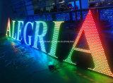 屋外のステンレス鋼表面によってつけられるRGB多彩なLEDの経路識別文字の印