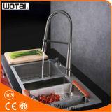 La singola leva di Wotai estrae il rubinetto della cucina