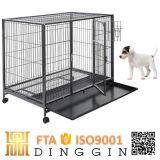 正方形の空の管犬の犬小屋