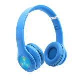 Portable a la oreja los auriculares Bluetooth tarjeta TF Play inalámbrica auriculares con cable LED