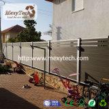 Le WPC horizontale Grill clôture moderne à la mi-Trellis
