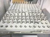 Máquina del CNC con el cargador del pórtico en la bandeja para las piezas hidráulicas