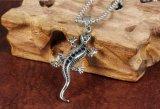 Heet verkoop de Uitstekende Zilveren Toebehoren van de Bevindingen van de Juwelen van de Manier van de Halsbanden DIY van de Tegenhangers van de Charme van de Hagedis van de Gekko voor de Vrouwen van Mannen