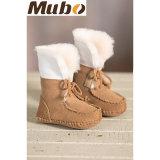 Butins infantiles uniques doux véritables de chaussures de bébé de basane