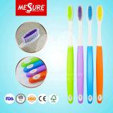 Cepillo de dientes redondo del adulto de la pista del cepillo