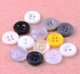 Botón respetuoso del medio ambiente de la resina de los orificios del estándar europeo cuatro