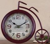 Orologio del piano d'appoggio del metallo di figura della bicicletta del nero dell'oggetto d'antiquariato della decorazione dell'annata