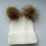 실제적인 모피 POM POM에 의하여 뜨개질을 하는 모자 겨울 모자