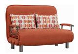 Vorteilhafte gefaltetes Sofa-Bett des Hotelzimmer-drei