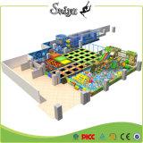 Xiaofeixia China heißer Verkauf multi FunktionsNinja Krieger-Trampoline-Park für Kinder
