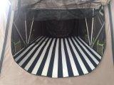 Tenda impermeabile pieghevole della parte superiore del tetto dell'automobile della fabbrica per molte persone con la base accogliente