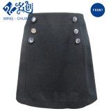 Il nero Newstyle A - riga pannello esterno Double-Breasted delle donne di modo di Short della Posteriore-Chiusura lampo