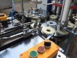 De Kop die van het document Makend Machine voor Verkoop vormen zich