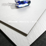 陶磁器の艶をかけられた磁器によってガラス化される固体白人の完全なボディは壁および床MB6002bbのための600X600mmをタイルを張る)