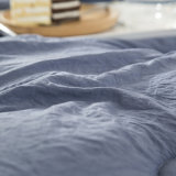 ホーム織物の柔らかいブラシをかけられたMicrofiberの羽毛布団のキルトおよび慰める人セット