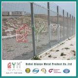 358機密保護は塀によって溶接される機密保護の刑務所の塀に反上る