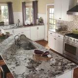 Isola di cucina bianca del granito dell'Alaska