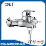 Misturador para chuveiro de banho de alavanca de montagem única em parede