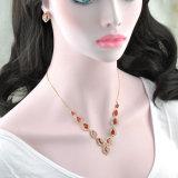 L'oro delle donne 18K ha placcato i monili dei regali degli amanti impostati con il rubino