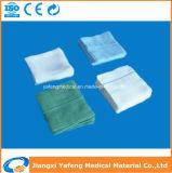 Pedazo absorbente de la gasa para el uso médico