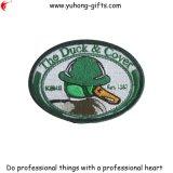 Parte posteriore su ordinazione uniforme del distintivo dell'esercito dell'OEM con l'amo & il ciclo (YH-EB050)