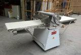 Guter Preis angestrichenes Modell 520 mm-Teig Sheeter Maschine für Hörnchen-Bäckerei