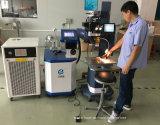 автоматический сварочный аппарат пятна лазера диода батареи золота 300W для прессформы