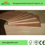 La madera contrachapada de la suposición de la tarjeta de Okoume con la melamina hizo frente