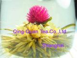 Künstlerischer Blumen-Tee