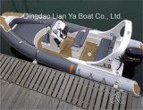 6.2mの船外モーターを搭載する膨脹可能なガラス繊維の肋骨の漁船