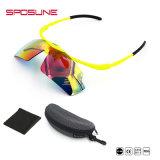 男女兼用のスポーツの接眼レンズのスキーサングラスの耐久のパソコンによって分極されるスポーツのサングラス