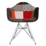 백색 안락 의자 자연적인 목제 다리 식당 의자 라운지용 의자 팔 의자 나무다리 철사 다리
