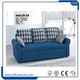 高品質のBedmetalの管のベッドフレームが付いている多機能の折るソファーベッド