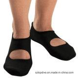 Pistoni impermeabili delicatamente comodi variopinti del neoprene del pattino della spiaggia dei calzini di stampa
