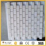 壁または床タイルのための白い大理石の石造りのモザイク