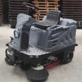 Commerciale de la balayeuse d'alimentation par batterie de petite taille Rider Sweeper Machine