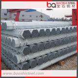 Section creuse galvanisée autour de la pipe en acier