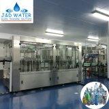 Máquina de rellenar del agua embotellada líquida estándar automática del Ce (13000-15000-bph)