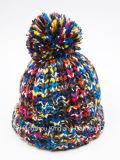 Sombrero Tejido Con Pompom de Multicolor de Espacio Cálido Teñido de Moda