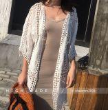 浜のビキニカバーセクシーな見通しのV首の服は水着のBeachwearのビキニを隠す