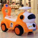 3 Plástico mais populares em 1 Empurre a viagem de carro / deslizando o bebé Curta Carro com música / bebês até o carro de Giro